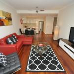 Camperdown Self-Contained Modern Two-Bedroom Apartment (11BRG), Sydney