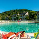 Hotel Pictures: Le Village Goelia, Saint-Geniez-d'Olt
