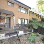 Hotellbilder: North Ryde Self-Contained Modern Three-Bedroom Apartment (2FONT), Ryde