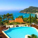 Hotel Pictures: Les Lauriers Roses, Rayol-Canadel-sur-Mer