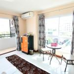 ZEN Rooms Inthamara Soi 49,  Bangkok