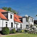 Hotel Pictures: Provstegården Bed & Breakfast, Hovedgård
