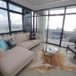Waterfront Apartment in the Viaduct, Auckland