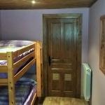 Hotel Pictures: Apartamentos El Capitan, Robles de Laciana