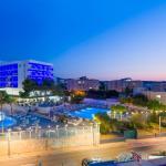 Hotel Riviera, San Antonio Bay