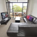 Surry Hills Self-Contained Modern One-Bedroom Apartment (409 COOP), Sydney