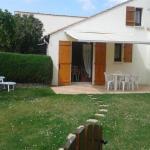 Hotel Pictures: Rental Villa Jolie Maisonnette, Saint-Vincent-sur-Jard