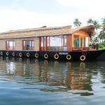 Kumarakom Houseboat Holidays, Kumarakom