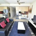 Pyrmont Self-Contained Modern Studio Apartment (706JB), Sydney