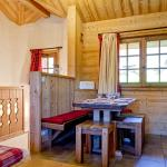Hotel Pictures: Chalet Carlina, La Tania