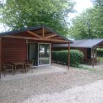 Hotel Pictures: Camping de l'Île Saint Martin, Brienon-sur-Armançon