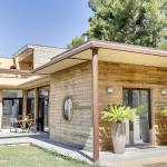 Hotel Pictures: Luxury in Nature, Aix-en-Provence