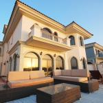E&T Holiday Homes - Frond L Villa, Dubai