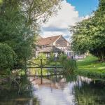 Hotel Pictures: Hornsbury Mill, Chard