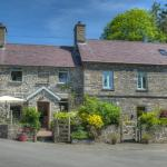 Hotel Pictures: Felin Carrog, Llanddeiniol