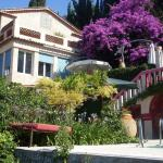 Hotel Pictures: L'Oustalounet Chambres d'Hotes, Cagnes-sur-Mer
