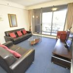 Sydney CBD Modern Self-Contained Two-Bedroom Apartment (303 ELZ), Sydney