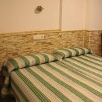 Hotel Pictures: Hostal Valle del Iregua, Albelda de Iregua