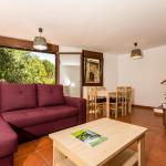 Hotel Pictures: Duplex Montcortés, La Pobleta de Bellvei