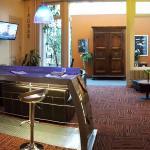 Hotel Pictures: Hôtel du Midi, Saint-Étienne
