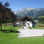 Hotellikuvia: Ferienhaus Schwarzenbacher, Lungötz