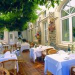 Hotel Pictures: Hotel Krone Riesling, Trittenheim