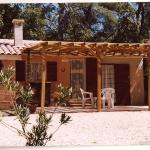 Hotel Pictures: Chalet Castellas dans un parc forestier, Saint-Martin-de-la-Brasque