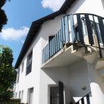 Hotel Pictures: Rental Apartment Etchola - Ascain, Ascain