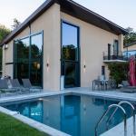 Hotel Pictures: Les Lodges Sainte-Victoire Villas, Aix-en-Provence