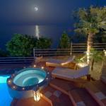 Blue Horizon Suites, Parálion Ástros