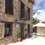 Hotel Pictures: Ana de las Tejas Azules, Medinaceli