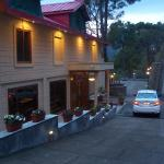 Forest Ville Hotel & Resort,  Kasauli