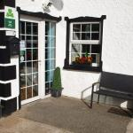 Hotel Pictures: The River House Hostel, Dunglow