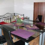 Hotel Pictures: Goldstadt FeWos BARTH, Pforzheim
