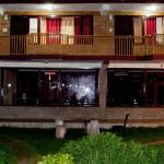 Hotel Himalayan River & Camping,  Manāli