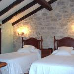 Hotel Pictures: Posada Las Puentes, Barcenilla