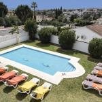 Hotel Pictures: Holidays2 Villa Magdalena, Fuengirola