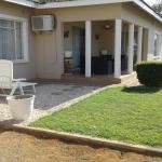 Gie's Guest house,  Dumadumana