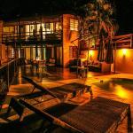 Hotel Pictures: Crossroad Malpais, Mal País