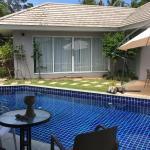 The Place Villas, Lipa Noi