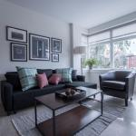 One-Bedroom Apartment on Beacon Street 206,  Boston