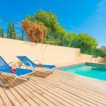 Hotel Pictures: Estrellita, Campanet