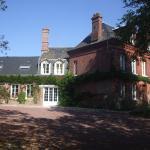 Hotel Pictures: Chambres d'Hôtes et Roulottes Le Clos du Quesnay, Mauquenchy