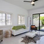 Mod House with Private Pool Home,  Palm Springs