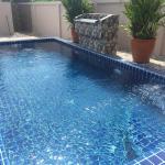 Sathiyas Luxury Bed & Breakfast Suites, Bang Sare