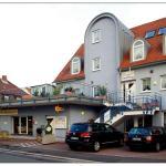 Hotel Pictures: Hotel-Cafe Demling, Randersacker