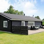 Hotel Pictures: Holiday Home Dyremosen, Hals