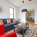 Six-Bedroom Apartment on Lincoln Avenue 3, Chicago