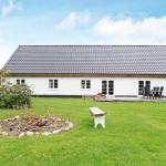 Hotel Pictures: Holiday Home Hjortevej, Bunken