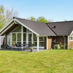 Hotel Pictures: Holiday Home Torpet III, Hovborg